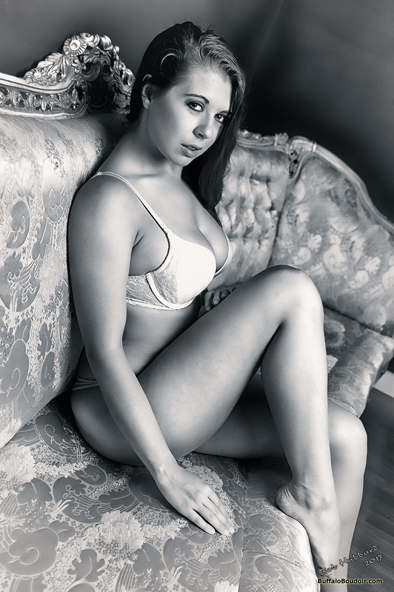 Boudoir/pinup featuring the lovely Jessi June.
